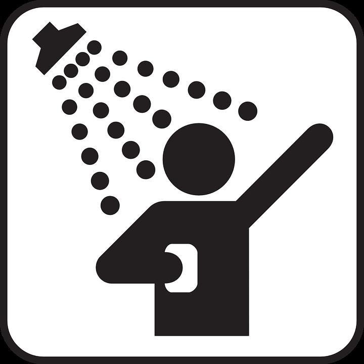 Mytí pod sprchou